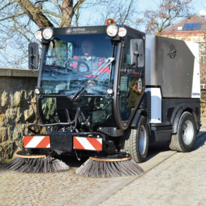 City-Ranger-3500_Action_Sweeper_3_W_Web (1)